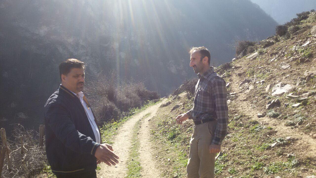 بازدید ریاست اداره ی جهاد کشاورزی بخش مرزن آباد از پروژه جاده سازی گلامره برای دسترسی زمین های کشاو