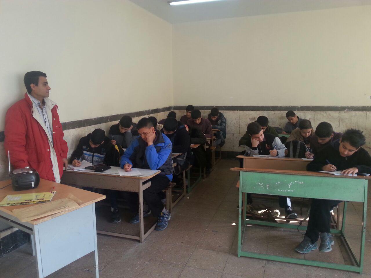 امتحان شنیداری زبان که بصورت استانی برگزار می شود در یکم دی ماه از دانش آموزان گرفته شد.