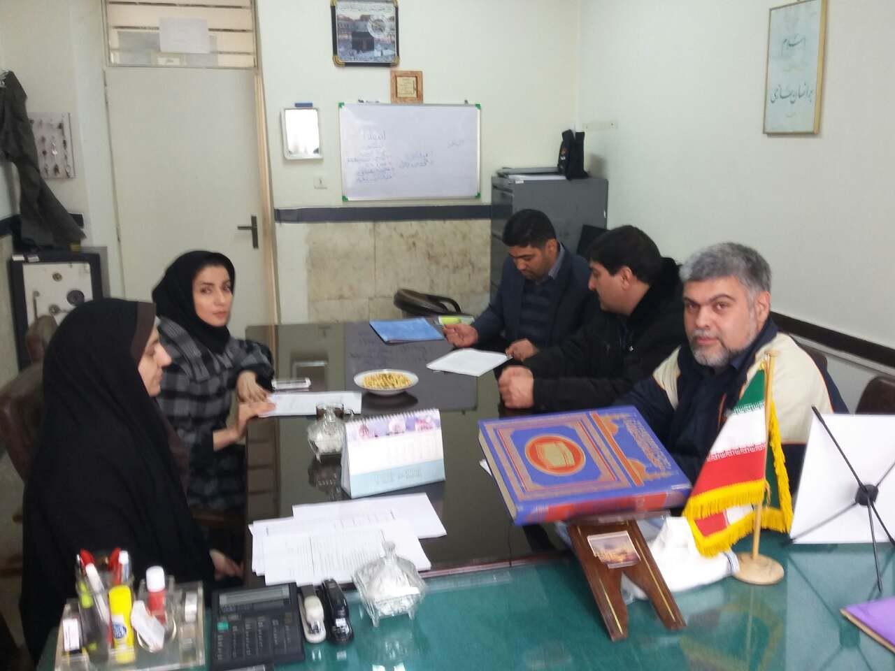 جلسه مشاوره  روز شنبه 2 بهمن ماه با حضور مشاوران آموزش و پرورش منطقه 16 برگزار شد.