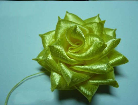 آموزش ساخت گل رز روبانی