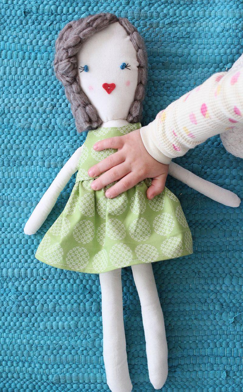 آموزش دوخت عروسک دختر
