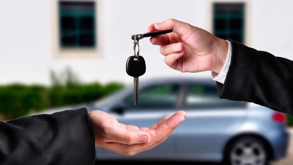نقدی بر فروش اقساطی خودرو به بازنشستگان