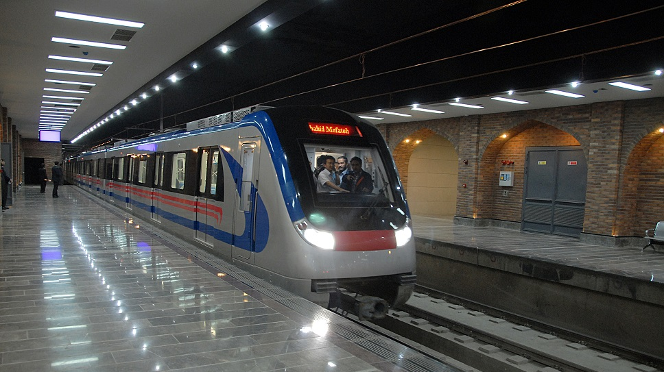 سرنوشتی تلخ برای مترو رباط کریم/ از اظهارنظرها درباره مترو تا عدم تحقق این وعدهها