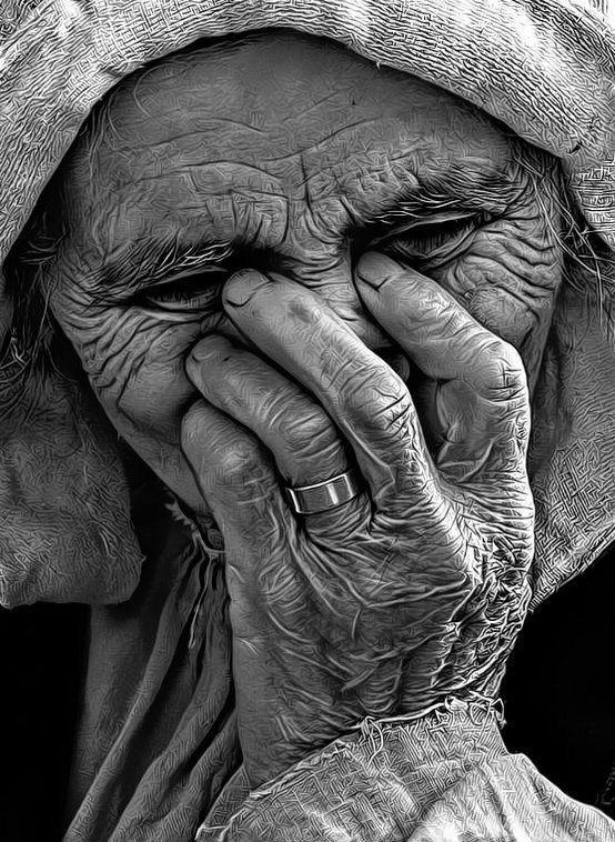چهره پیر مادر