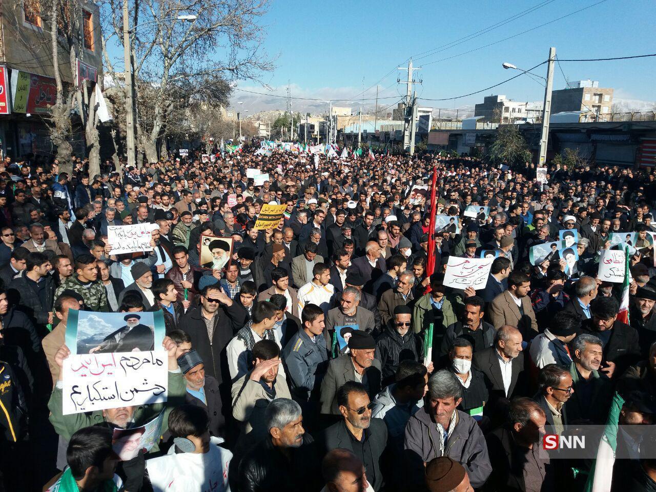 دهها هزار ایرانی در حمایت از حکومتشان در سراسر ایران به خیابانها آمدند.