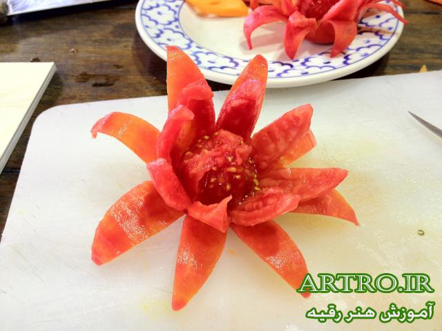 آموزش درست کردن گل با گوجه فرنگی