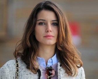 تیپ دیدنی بازیگر نقش فاطما گل در انتخابات ترکیه !+عکس
