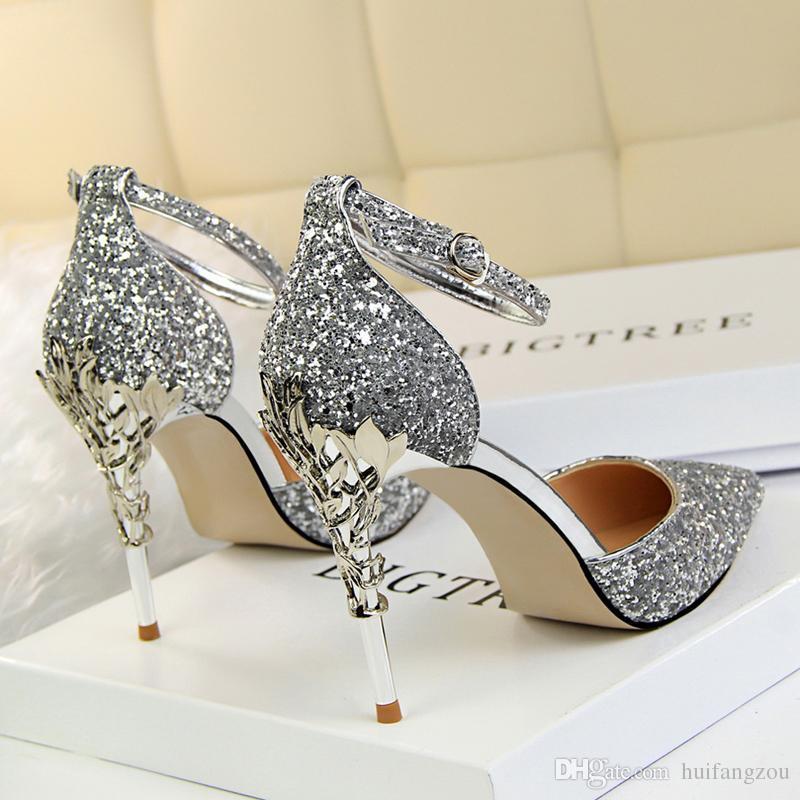 نحوه انتخاب و مدل کفش عروس