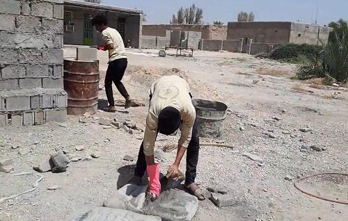 ساخت سرویس بهداشتی برای تنها خانواده شهید منطقه بوشکان توسط بچه های جهادی افسران ولایت+کلیپ