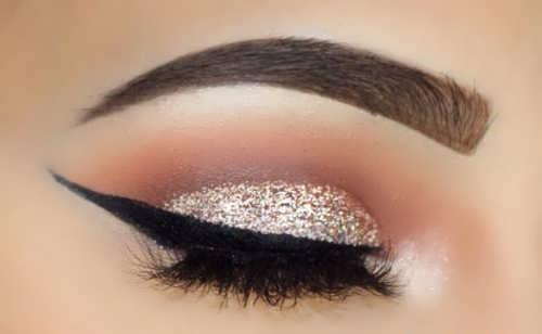 https://rozup.ir/view/2673670/Model-eyeliner-bride-%20(3).jpg