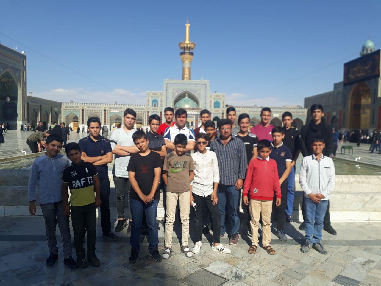 اردوی سیاحتی و زیارتی تفریحی بازیکنان باشگاه تخصصی والیبال ثامن فاروج به مشهد مقدس