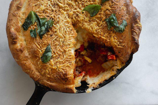 دستور پخت پیتزا کالزونه غذای پر طرفدار ایتالیایی