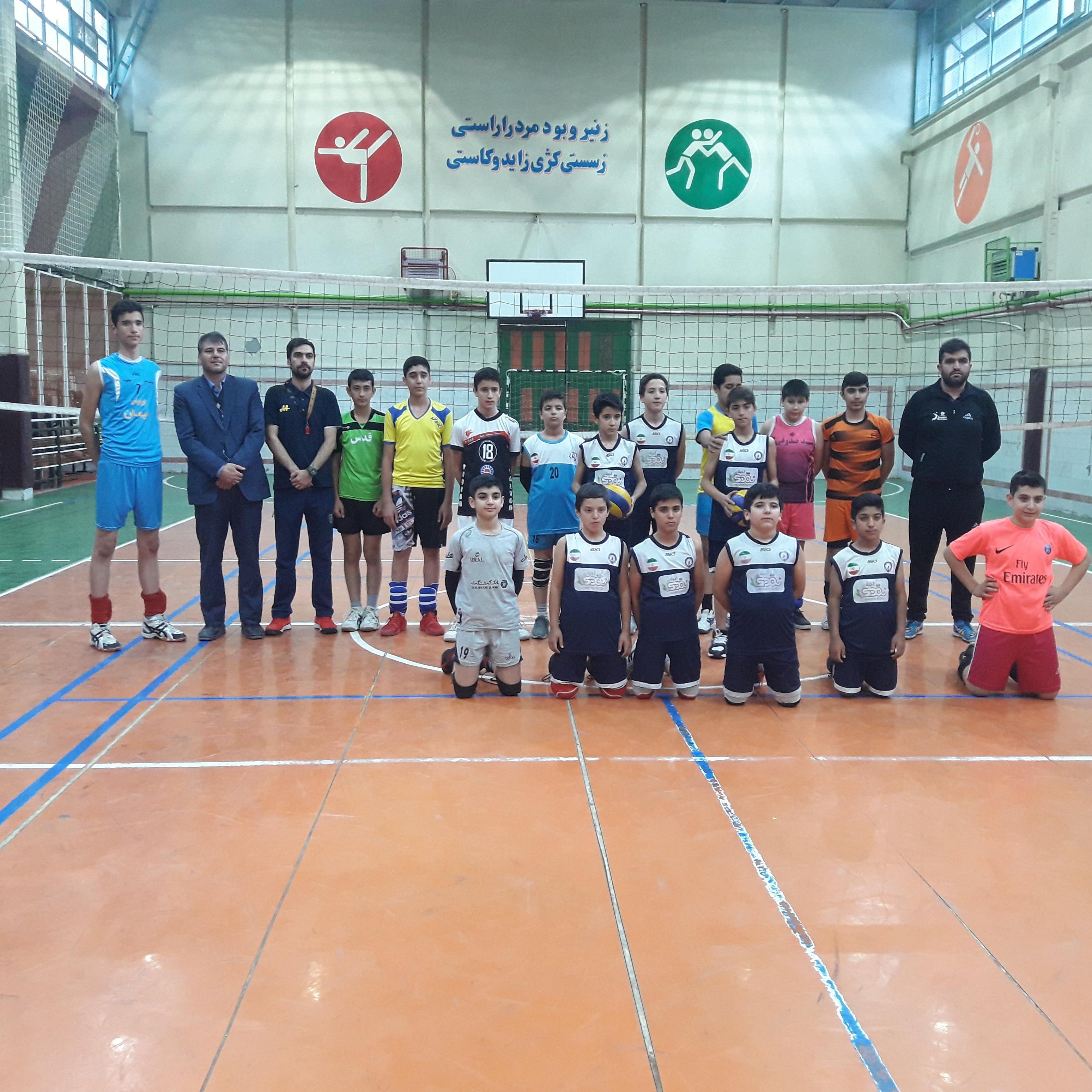 حضور بازیکنان باشگاه تخصصی والیبال ثامن در تست  و مسابقات قهرمان کشوری رده سنی مینی والیبال به میزبانی استان مازندران