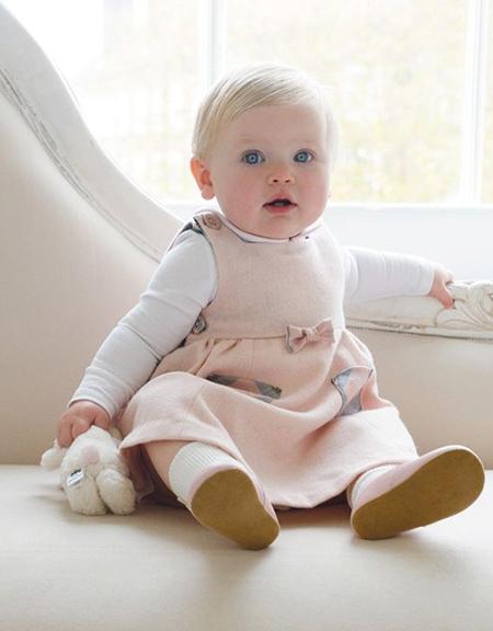 بهترین رنگ لباس برای نوزادان
