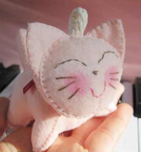 آموزش دوخت عروسک گربه نمدی