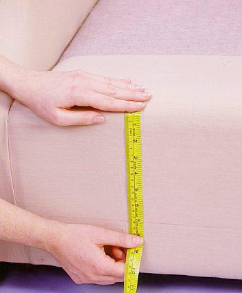 اندازهگیری مبل راحتی برای تغییر روکش