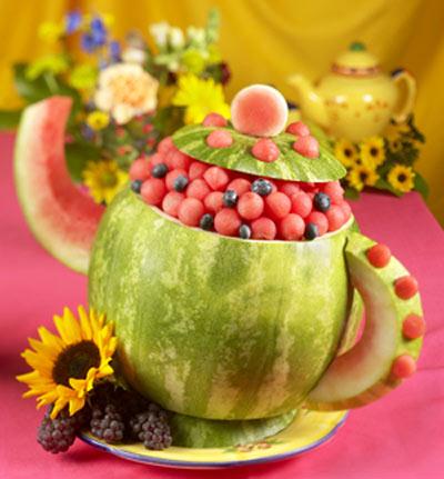 هندوانه شب یلدا را اینطوری تزیین کنید !