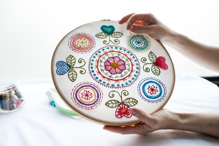 آموزش گلدوزی با دست
