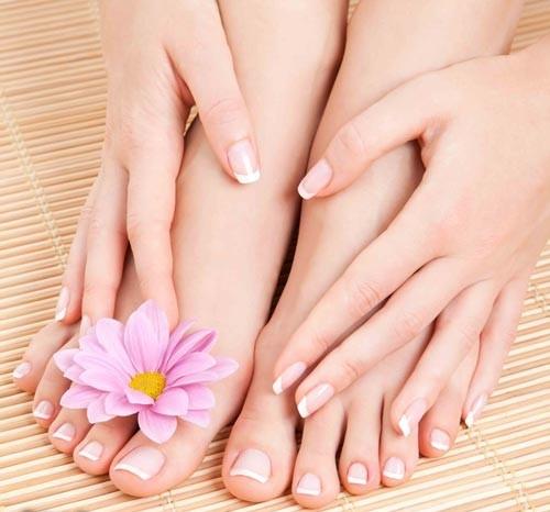 مدل های طراحی ناخن پا