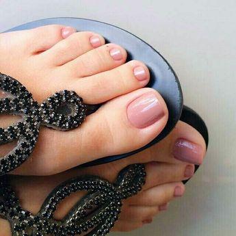 جدیدترین مدل های طراحی ناخن پا