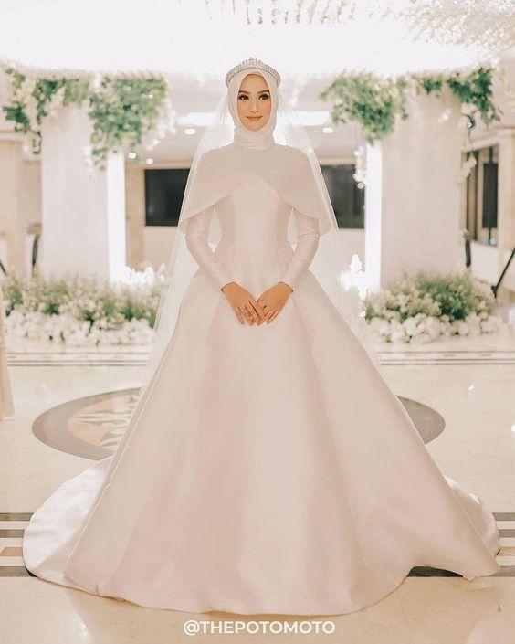 مدل لباس عروس پوشیده استین دار