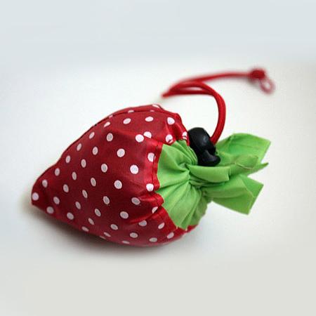 کیف خرید پارچه ای طرح توت فرنگی فوق العاده شیک و مقاوم