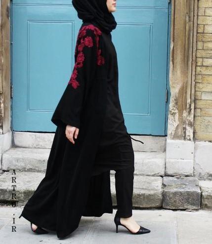 مدل مانتو مشکی بلند در اینستاگرام