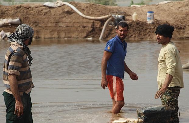پارمان: تلاش جهادگران در مناطق سیل زده خوزستان تداعی گر خدمت رزمندگان دفاع مقدس بود+تصاویر