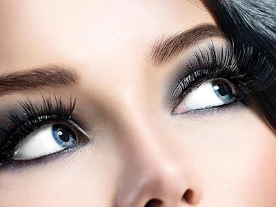 مثل حرفه ای ها چشمها را آرایش تیره کنیم