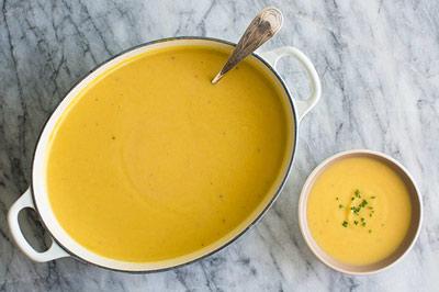 آموزش طرز تهیه سوپ گل کلم و پنیر چدار