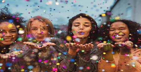 تاثیر مهمانیهای زنانه در زندگی مشترک