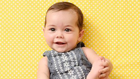 روند رشد و تکامل نوزاد 6 ماهه چگونه است؟