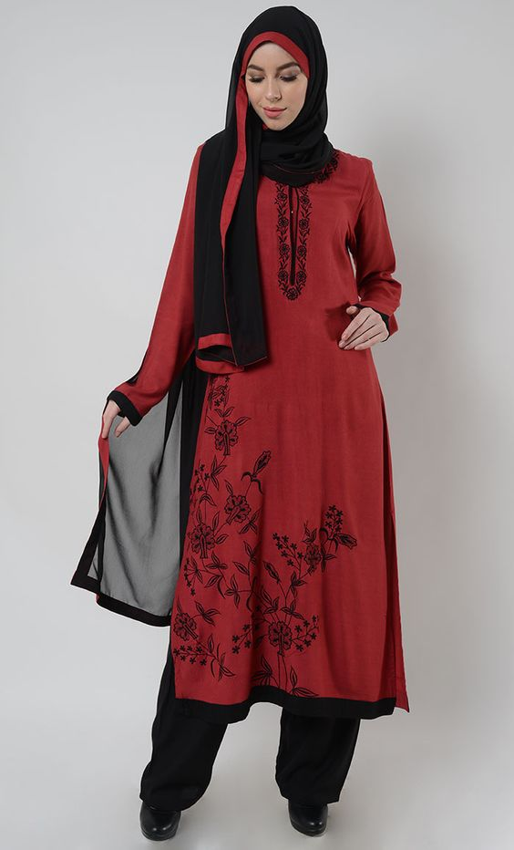 مدل با حجاب مانتو بلند