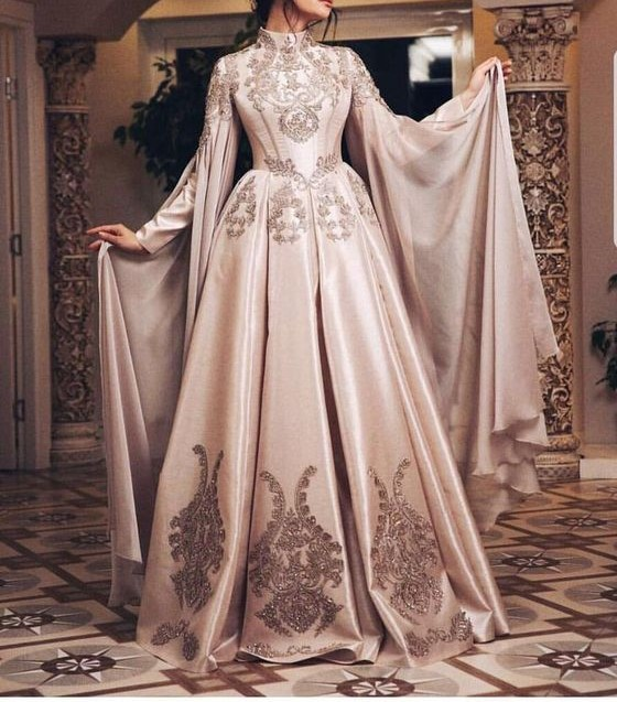 مدل لباس عروس بلند پوشیده شیک