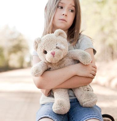 علائم بلوغ زودرس در دختر بچه ها