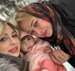 عکس نيوشا ضيغمي با دختر و مادرش