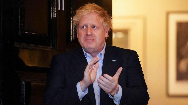 بوریس جانسون نخست وزیر انگلیس بستر شد