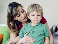 رفتار مناسب با کودک زودرنج و حساس