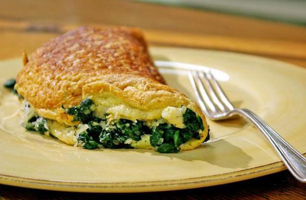 غذای ساده املت اسفناج و پنیر