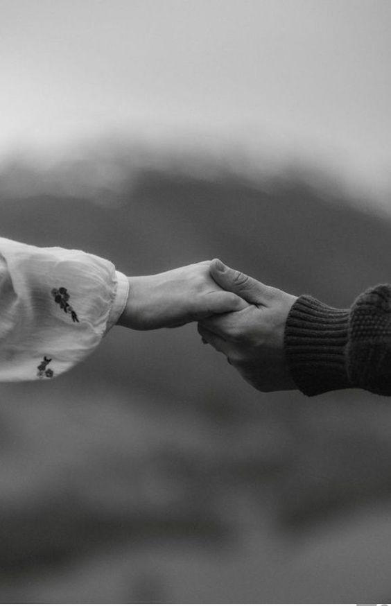 دستت را به من بده
