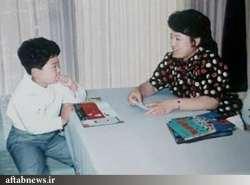 عکس رهبر کره شمالي همراه مادرش را مي بينيد