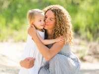 چگونه به کودک خود محبت کنيم؟