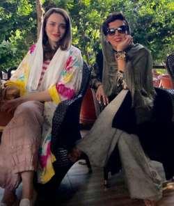 عکس دونفره بهنوش طباطبايي و ليلا بلوکات در کافه