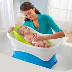 آموزش مادران براي حمام کردن نوزاد