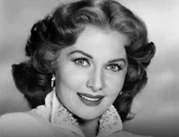 ستاره سينما در سن 97 سالگي از دنيا رفت / بازيگر زن معروف سينما درگذشت