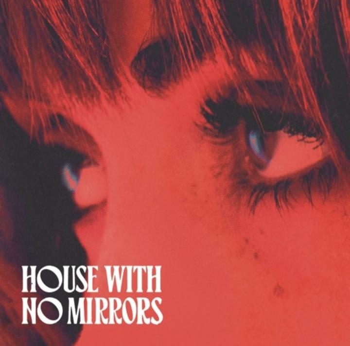 متن و ترجمه آهنگ House with No Mirrors از ساشا اسلون