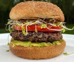 طرز تهيه همبرگر گياهي در خانه