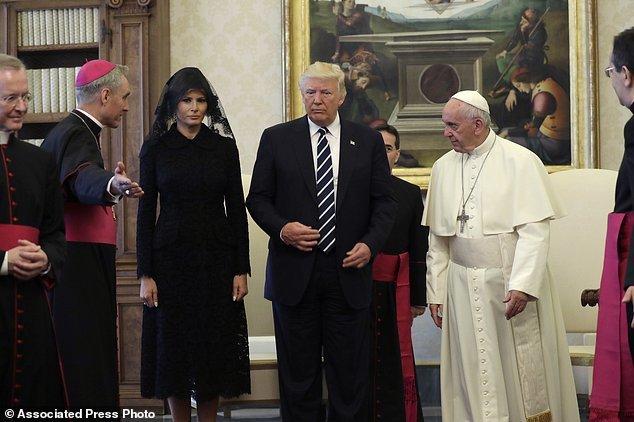 شوخی پاپ با ملانیا ترامپ درباره جثه همسرش(دونالد ترامپ)