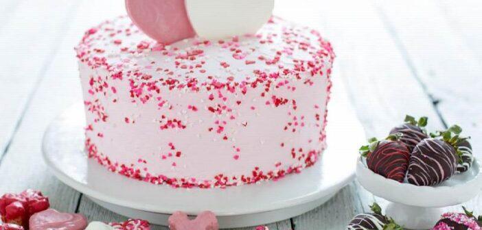 ساده ترین روش برای خامه کشی کیک تولد خانگی