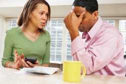 رفتار مناسب با شوهر خسيس / شوهرم خسيس است چه کنم؟